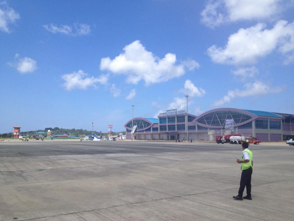 Bandara Eduard Osok Papua