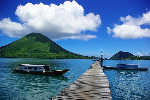 Gunung Api Banda Maluku