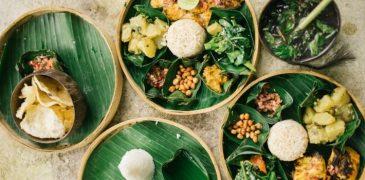 Makanlah Dengan Alas Daun Pisang
