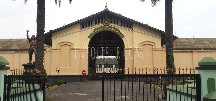 Berkunjung Ke Museum PETA, Bogor Thumbnail