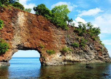 Menengok Keramahan Tuhan Lewat Pantai-Pantai Maluku